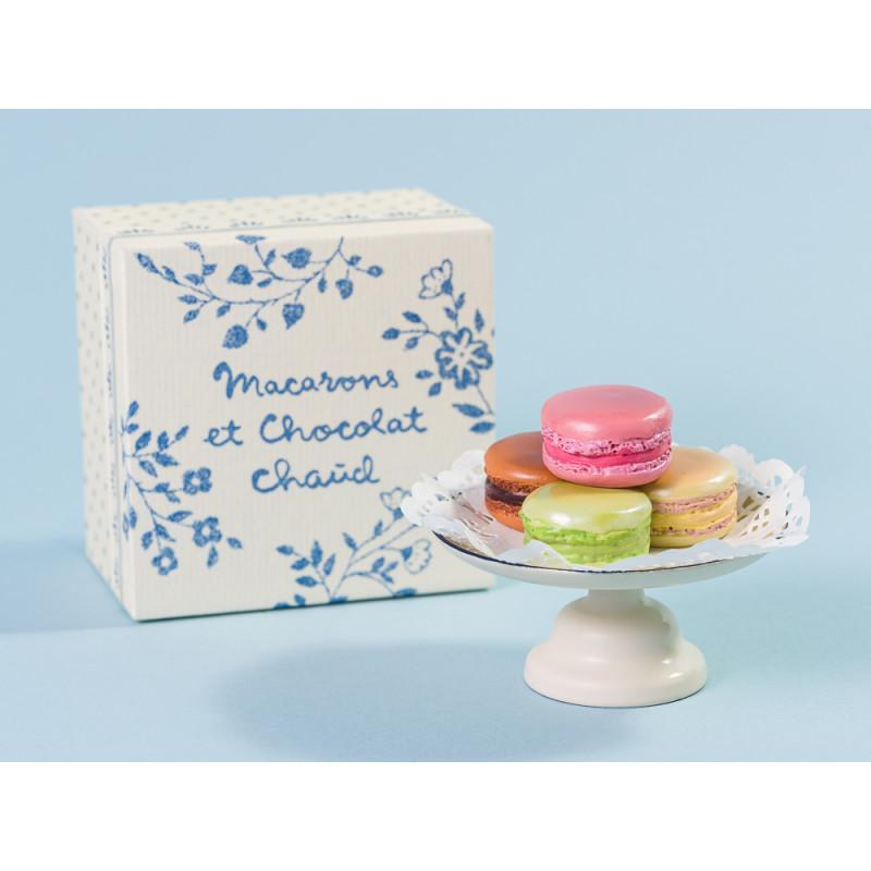 Maileg Macarons bunt mit Tortenplatte und Papier Zierdeckchen in Geschenk Verpackun
