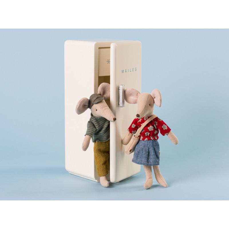 Maileg Mama und Papa Maus mit rotem Shirt und Streifen Pulli 15 cm hoch spaß im Kuehlschrank