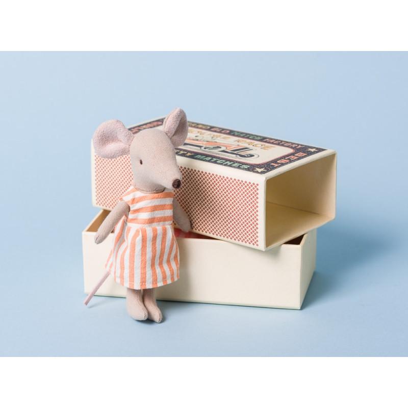 Maileg Maus große Schwester im orange weiß gestreiften Kleid mit Geschenk Box Streichholzschachtel 12 cm