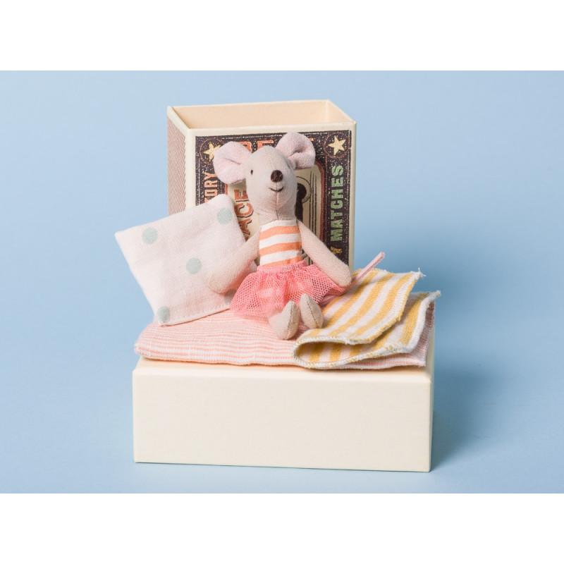Maileg Maus kleine Schwester in Box mit Decke und Kissen in Streichholzschachtel 10 cm groß