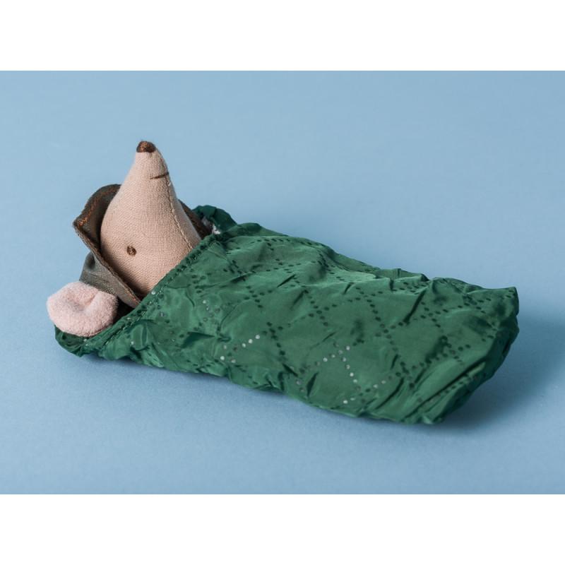 Maileg Maus Wanderer Großer Bruder grün Schlafsack