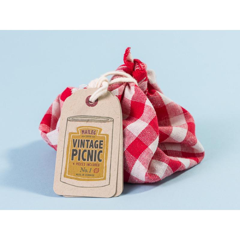 Maileg Vintage Picnic Set mit rot weiß karierter Picknickdecke