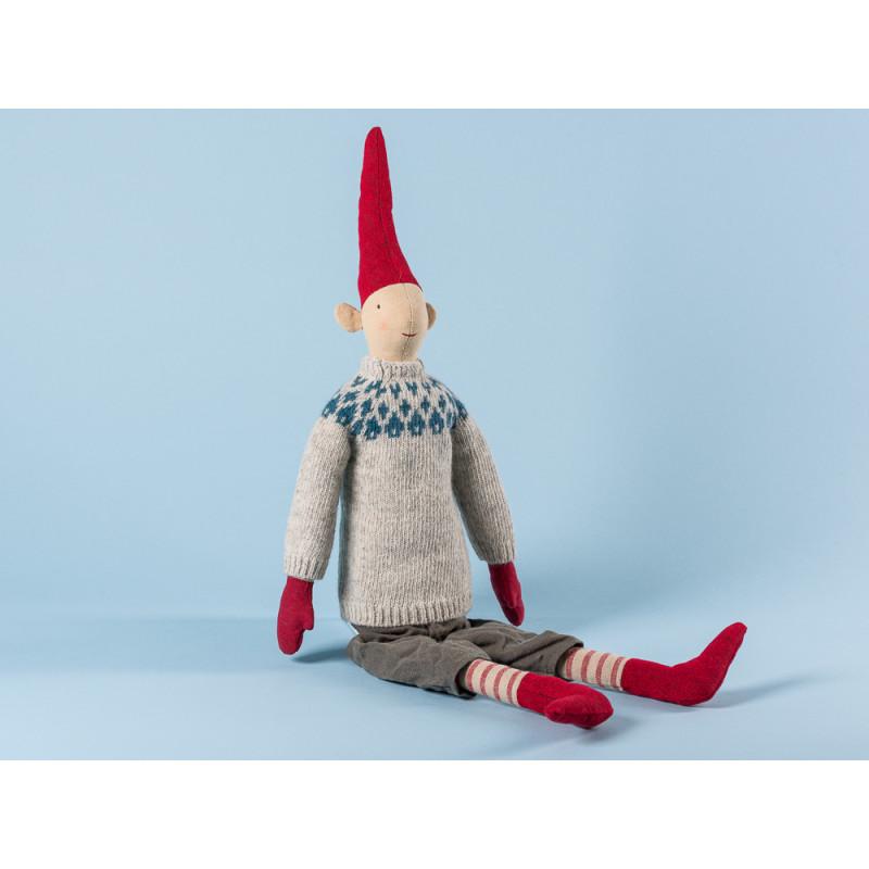 Maileg Wichtel Lars Maxi Pixy Junge im grauen Strick Pulli mit blauen Rauten Muster XL Kuscheltier Weihnachtsdekoration 62 cm