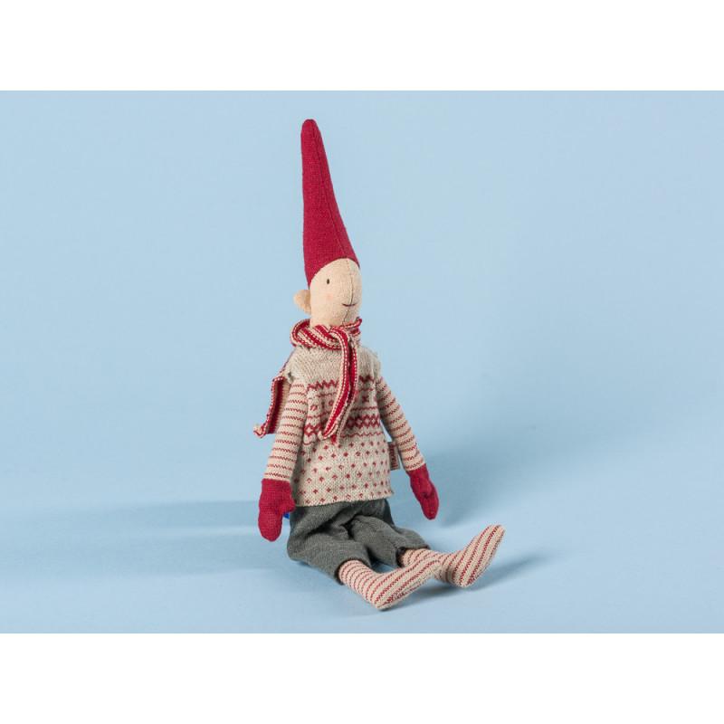 Maileg Wichtel Mini Climbing Pixy mit Magnet Junge im Pullunder mit rotem Muster Schal und roten Mützen 25 cm hoch Weihnachten Dekoration