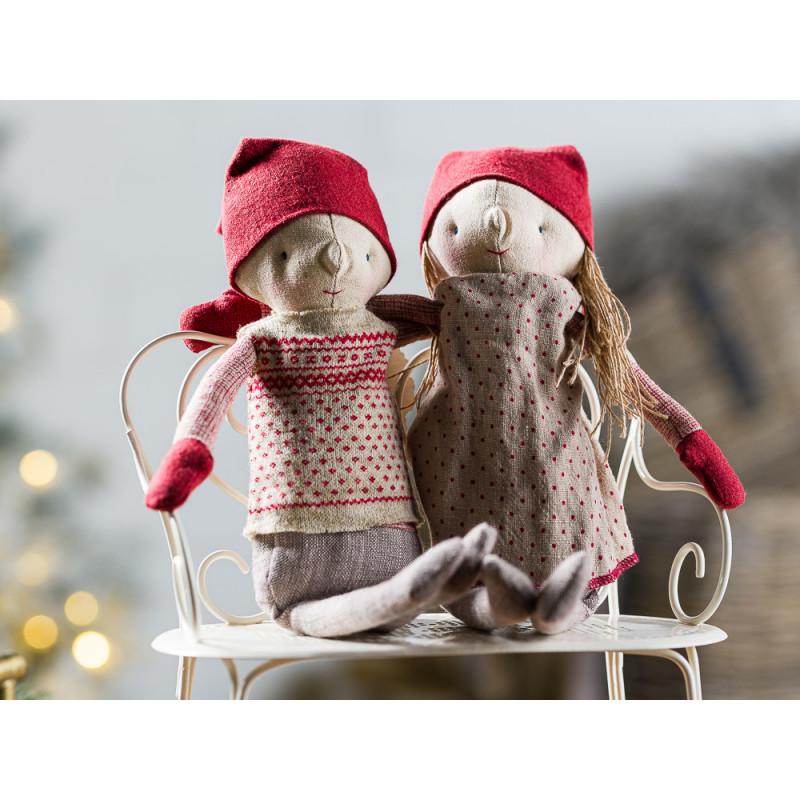 Maileg Winter Friends Pixy Girl und Boy sitzend auf Bank Weihnachten Deko Wichtel Kuscheltier 32 cm Adventszeit Geschenkidee