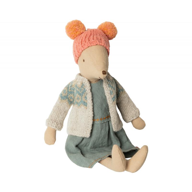Maileg Winter Maus Medium Girl mit Wollmütze und Strickjacke