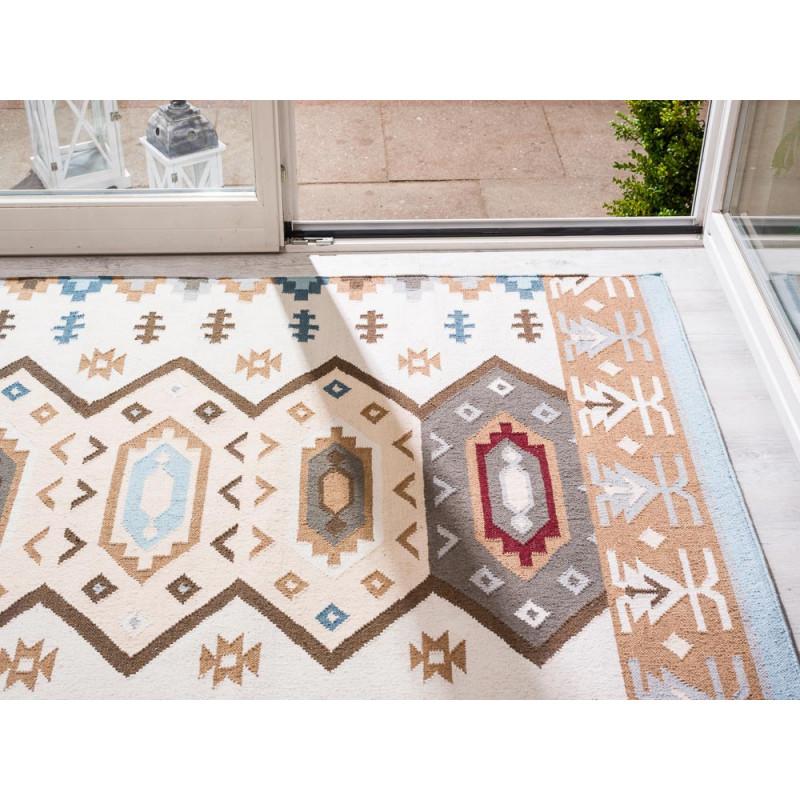 Pad Teppich Quero blau beige 140x200 Outdoor und Indoor Teppich vor Terrasse
