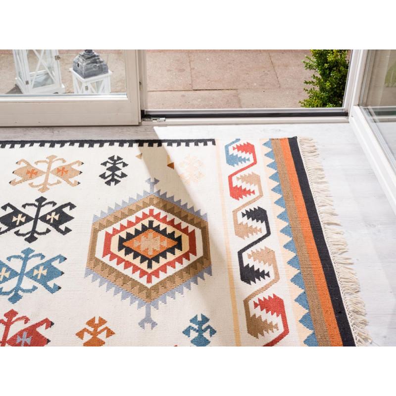 Pad Teppich Quero rot creme 140x200 Outdoor und Indoor Teppich vor Terrasse