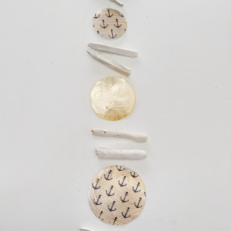 Treibholz Girlande aus Holz und Cadiz bedruckt mit Anker und Streifen Hänger Maritim Dekoration