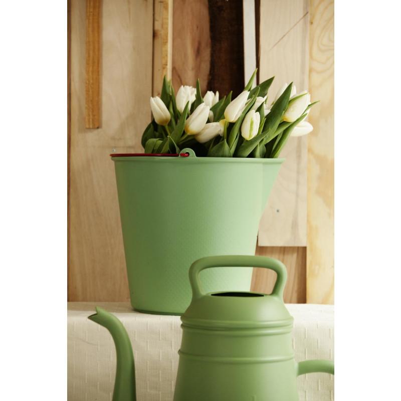 Xala Eimer Drop in grün als Vase und Lungo Gießkanne Design aus Kunststoff
