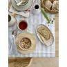 Bloomingville Brotkorb rund mit Geschirr und Besteck
