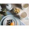 Greengate ALICE Hellblau Teller Schale mit Nüssen Becher mit Henkel Latte Cup und Zuckerdose Everyday Keramik Geschirr Pale Blue Tischdeko mit Pflanze Hygge