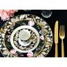 GreenGate Geschirr Florette schwarz weiss Blumen aus Porzellan Essteller Tasse Teller Amelie und Besteck Gate Noir gold alles auf Tischdecke schwarz
