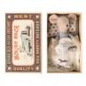 Maileg Maus Kleiner Bruder in Streichholzschachtel Decke mit Cowboy Pferde Motiv Maileg Produkt Nummer 16-0723-01