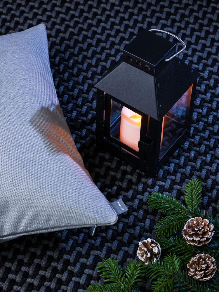 Geschenke für Männer zu Weihnachten - geschmackvoll und unkonventionell - Pad Concept Outdoor Teppich Kissen A2 Laterne