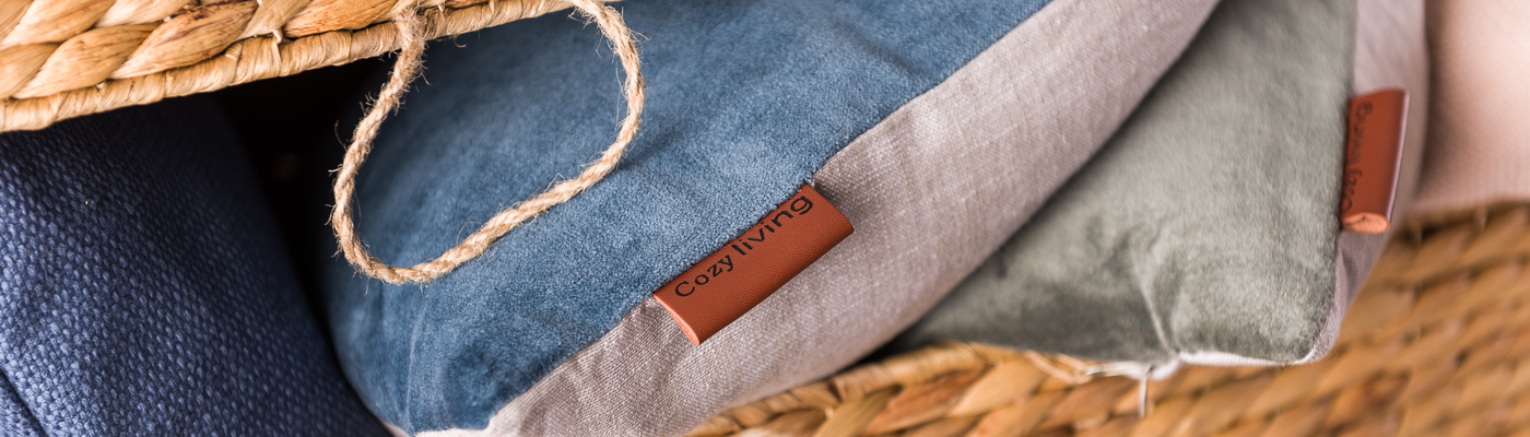Cozy-Living Shop - Kissen dunkelblau Samt - Truhe Wasserhyazinthe
