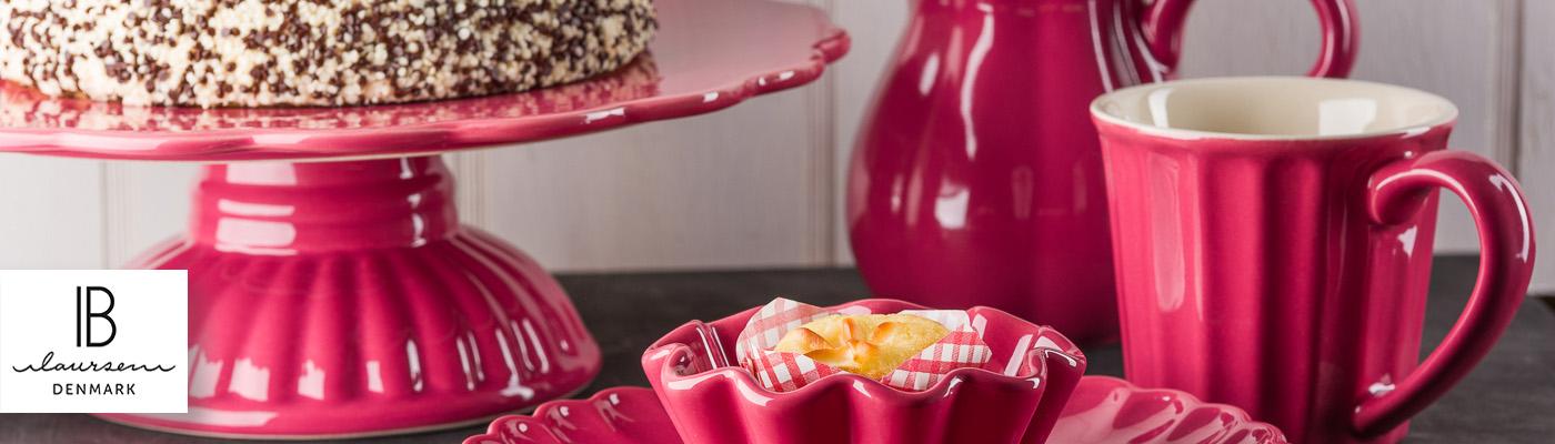 IB Laursen Mynte Shop - Geschirr in Brombeere Blackberry Parfait NEU Tortenplatte mit Sahnetorte, Tasse, Kanne und Muffinform