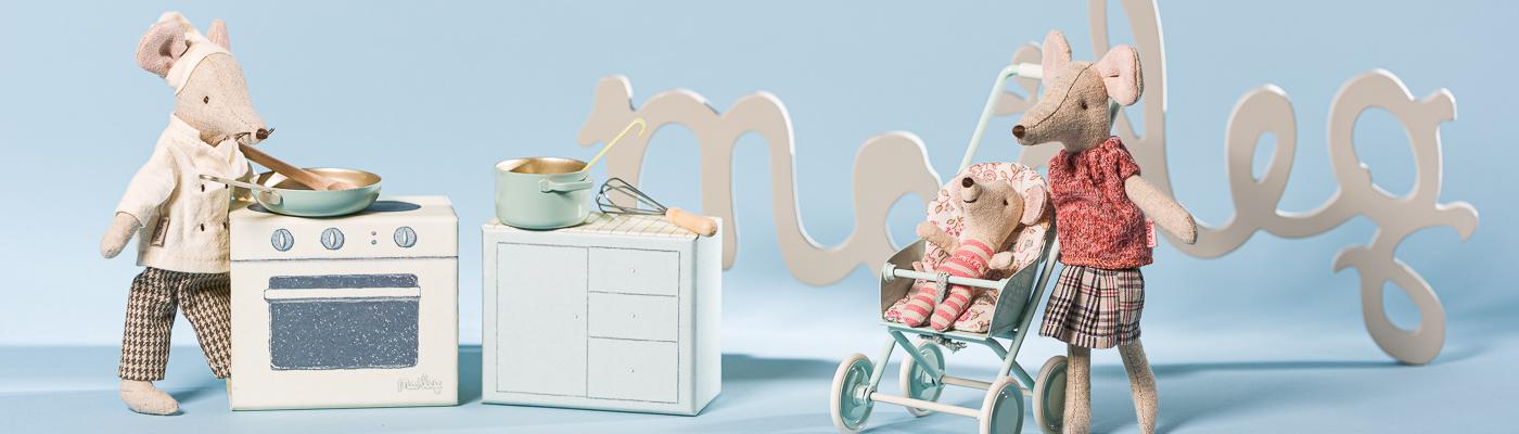 Maileg Shop - Maus Chef Koch am Herd Set und Mama Mum Maus mit Baby Zwilling in Kinderkarre aus Metall - hier bestellen