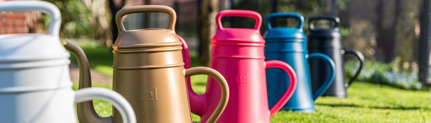 Xala Lungo Shop - Giesskannen aus Kunststoff im Kaffeekannen Design - für den Garten die Terrasse und Balkon